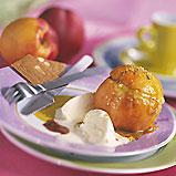 pêches et nectarines farcies à la crème pistache et roties au caramel