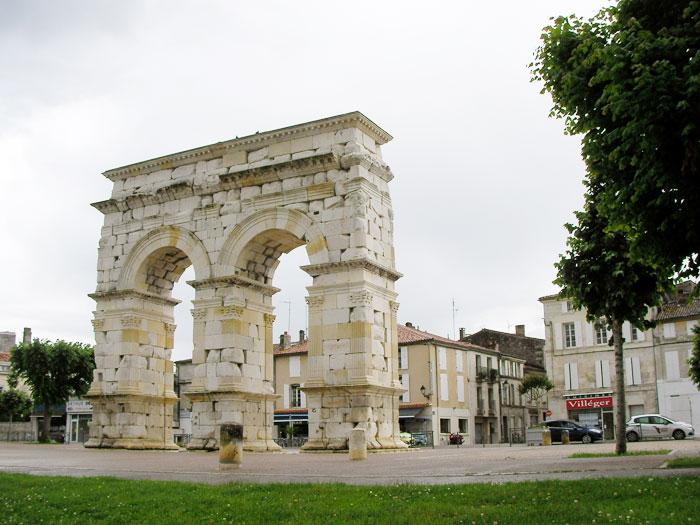L'arc de Germanicus à Saintes (D.R.)