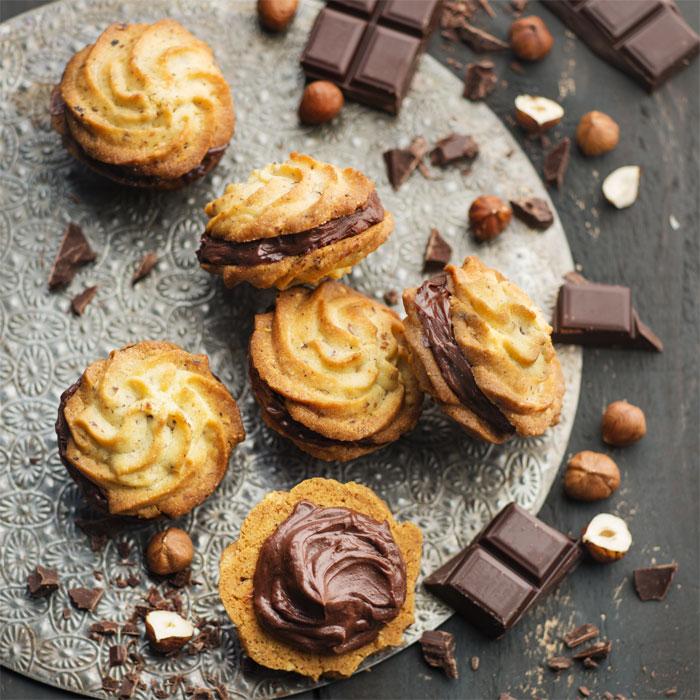 Petits sablés noisettes et ganache chocolat