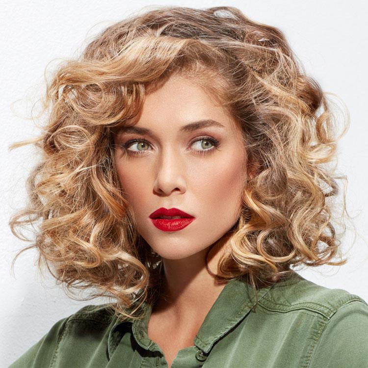 Coupe coiffure mi-longue INTERMEDE - Mid-length haircut - Tendances spring-summer 2017.