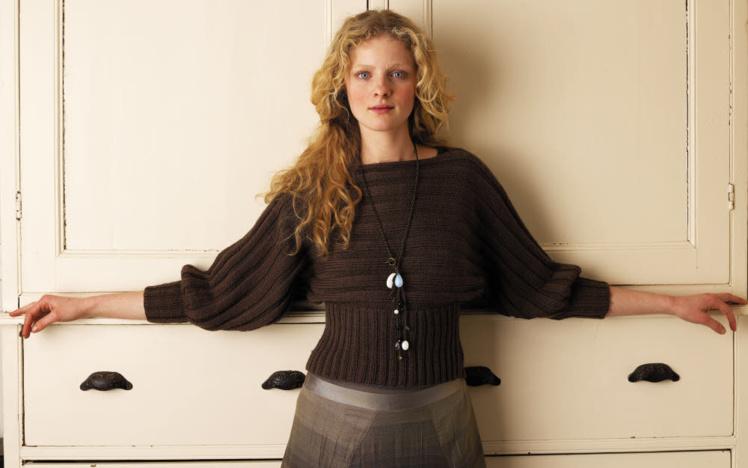 pull chauve-souris à tricoter © Rowan