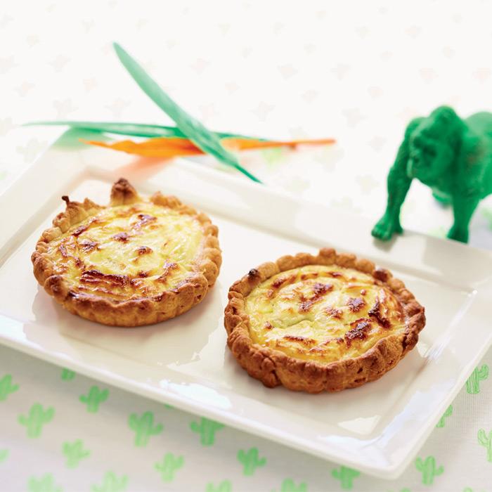 Petites quiches aux endives et au fromage frais aromatisé au citron.