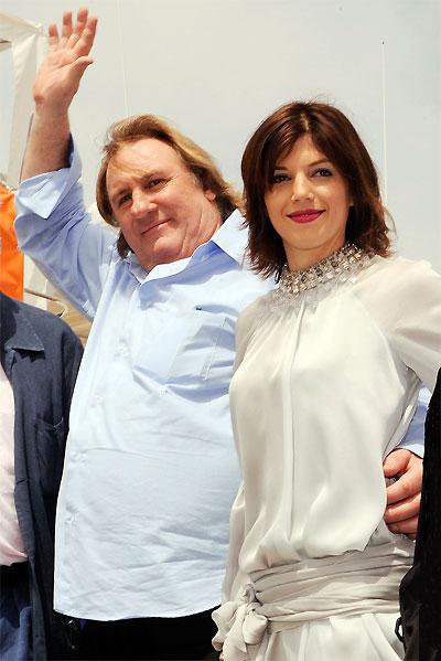 Gérard Depardieu et sa compagne Clémentine © Franck Provost – Cannes 2009.