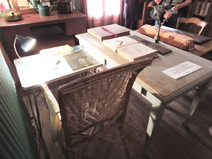 Table de travail d'Alexandra David-Néel à Digne-les-Bains © ABCfeminin.com.