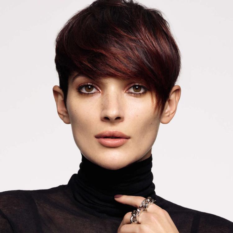 Coupe cheveux courts et coiffure Camille ALBANE - Automne-hiver 2017-2018.