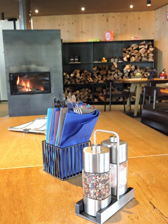 La salle du restaurant Frööd dans la Vallée du Brandnertal © ABCfeminin.com.