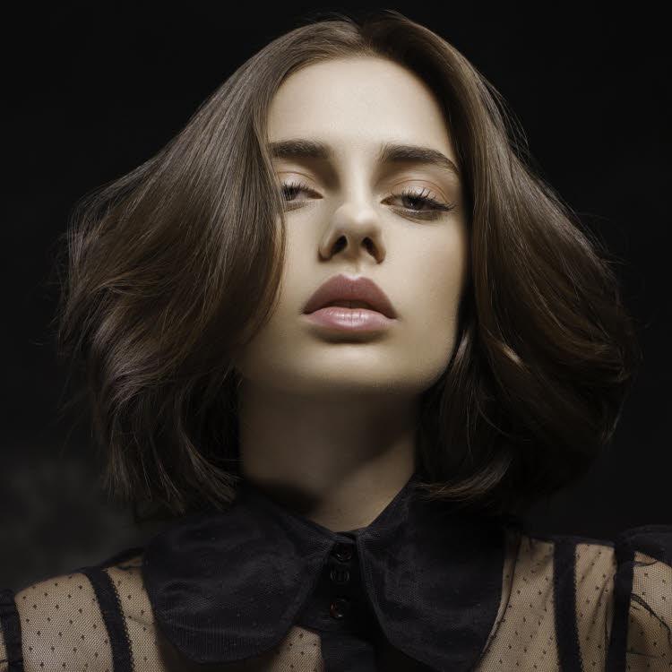 Coiffure cheveux mi-longs Christine MARGOSSIAN - Automne-hiver 2017-2018.