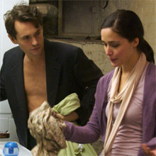 Hugh Dancy (Adam) et Rose Byrne (Beth) dans Adam de Max Meyer