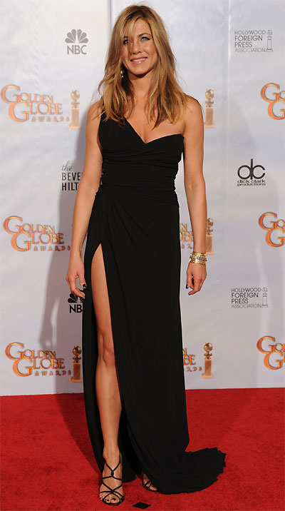 Jennifer Aniston en Valentino, collection Automne-Hiver 2010/2011 - Courtesy of Valentino / Getty Images.