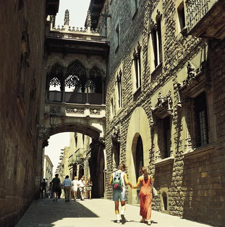 Barcelone, Carrer del Bisbe. © Turisme de Barcelona / Espai d'Imatge
