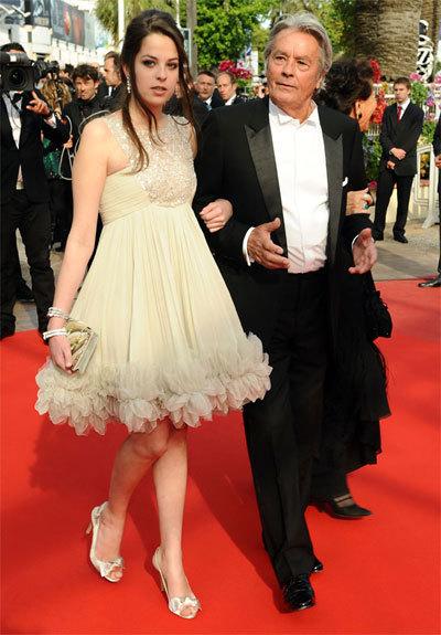 Alain Delon et sa fille Anouchka au Festival de Cannes 2010.