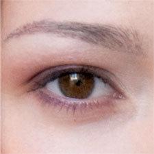 les sourcils redessinés de Sandra
