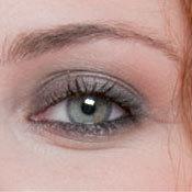 les sourcils redessinés de Jennifer