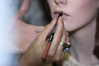 Maquillage du défilé A. Friend by A.F. Vandevost par Make-Up For Ever