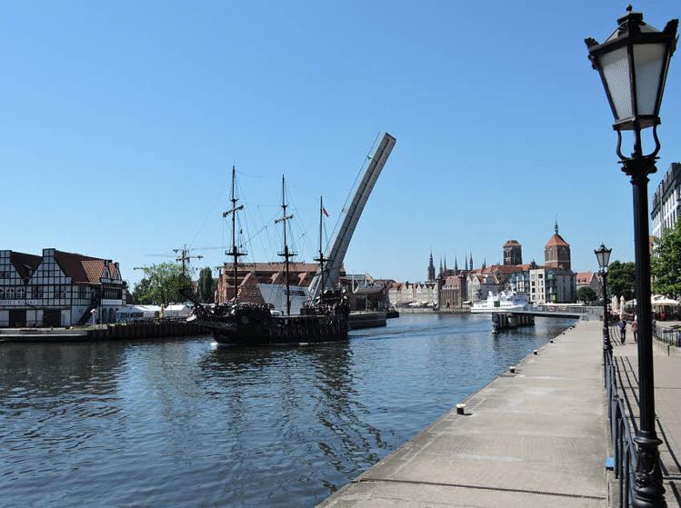 Une balade sur la Motlawa à Gdansk peut se faire en galion © ABCfeminin.com.