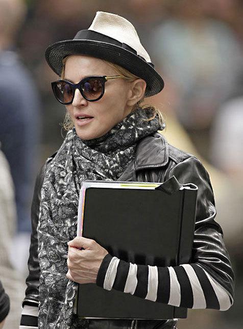 'Madonna à Central Park en Thierry Lasry pour W.E.