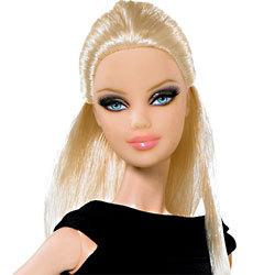 black collection pour Barbie, la plus mini des top model