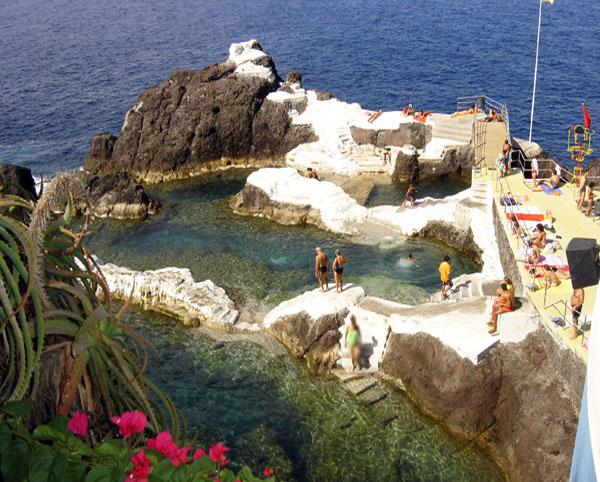 Piscine naturelle Doca do Cavacas à Funchal © DRTM.