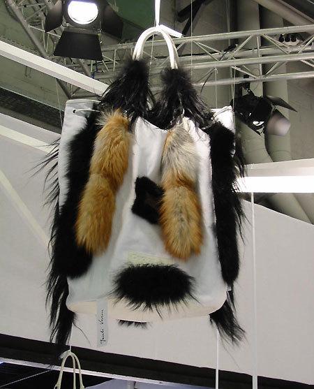 Sac personnalisé par Martin Véron (Exposition 'Oh my bag !' - Salon 1ère Classe).