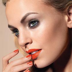 Maquillage d'été Biosthétique étape par étape