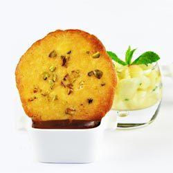 recette : recette : crème au chocolat amer, tuiles et salade de pêches