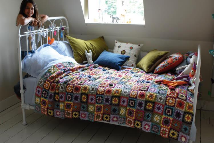 Modèle expliqué gratuit : plaid patchwork crochet © Phildar.
