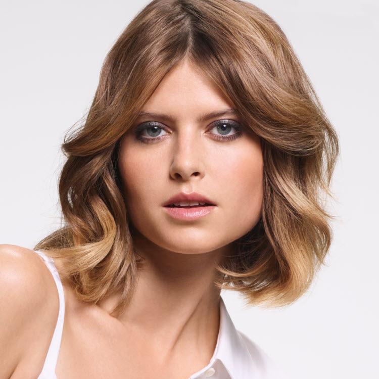 Coupe et coiffure cheveux mi-longs Camille ALBANE - Printemps-été 2019.