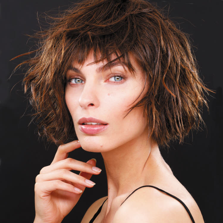 Coupe et coiffure cheveux mi-longs BUIGINE Paris - Printemps-été 2019.