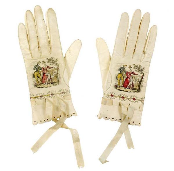Gants de femme que Madame Bovary aurait pou porter. Musée des Tissus et des Arts Décoratifs (MTMAD) à Lyon.