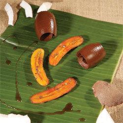 recette Crémeux coco cacao et mini bananes flambées © Gérald Gambier