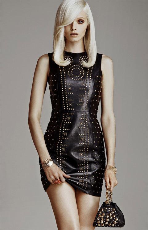 Robe en cuir Versace pour H&M