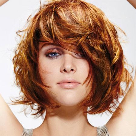Couleur de cheveux tendance sur coupe courte