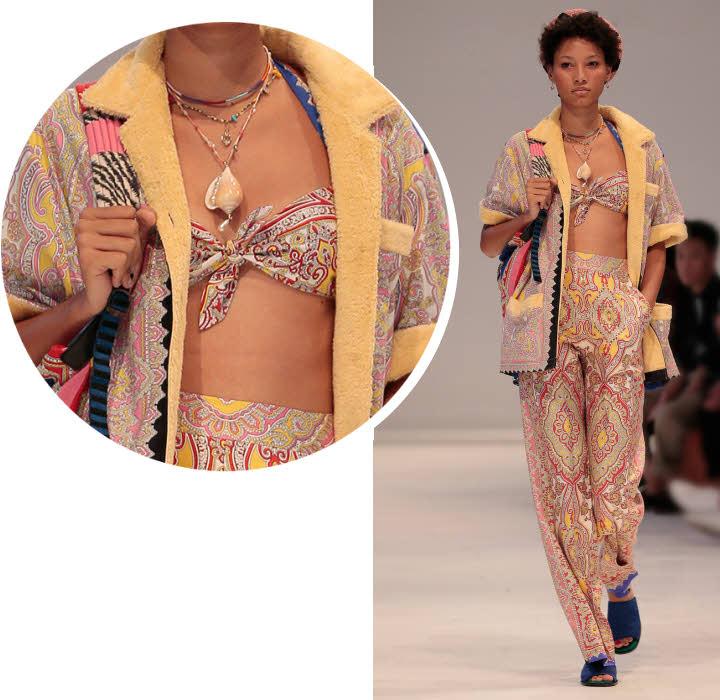 Bandeau foulard dans des tons pastels Etro - Collection printemps-été 2019.