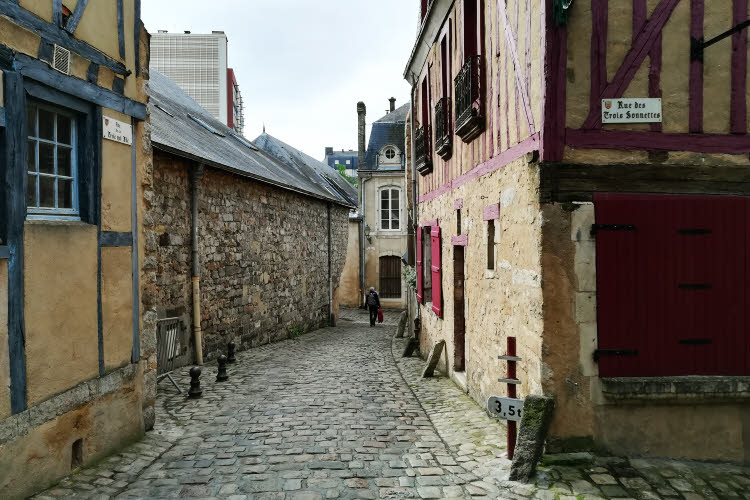 1905-Le Mans, rue des Trois sonnettes, de la rue Truie qui file, et de la rue de Boucheries © ABCfeminin.com.
