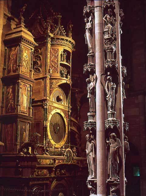 Horloge astronomique et pilier des anges dans la Cathédrale de Strasbourg