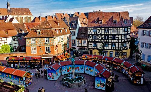 Le marché de Noël de la place de l'Ancienne Douane à Colmar © ABCfeminin.com.