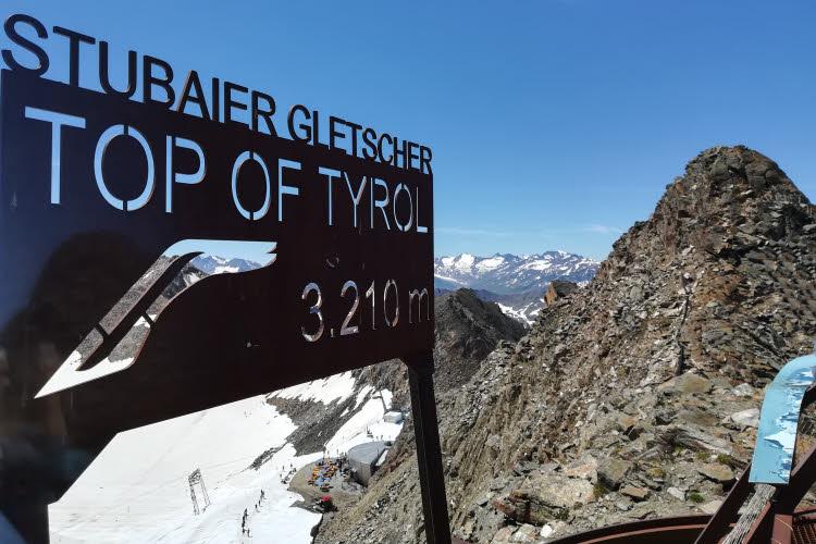 On the top of Tyrol sur le Stubaier Gletscher © ABCfeminin.