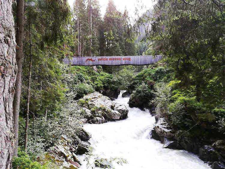 La vallée de Stubai au Tyrol et ses montagnes magiques
