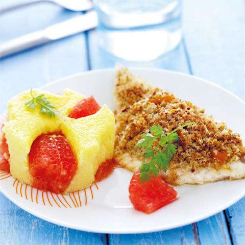 zoom recette : filet de daurade en croûte de noisettes, polenta au pamplemousse et cerfeuil
