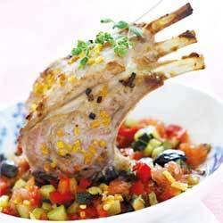 recette : carré d'agneau rôti à la fleur de sel et pamplemousse, légumes croquants au miel de thym