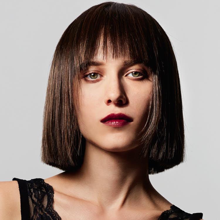 Coupe et coiffure cheveux mi-longs Michel DERVYN - Automne-hiver 2019-2020.