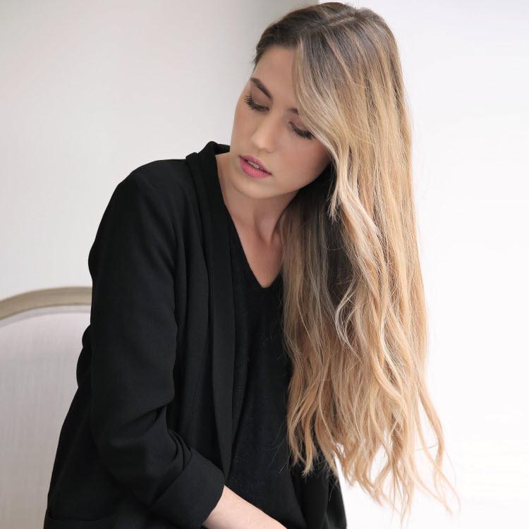 Coupe et coiffure cheveux longs Lucie SAINT-CLAIR - Automne-hiver 2019-2020.