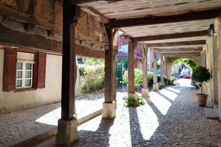 Un passage couvert de Labastide d'Armagnac © ABCfeminin.com.