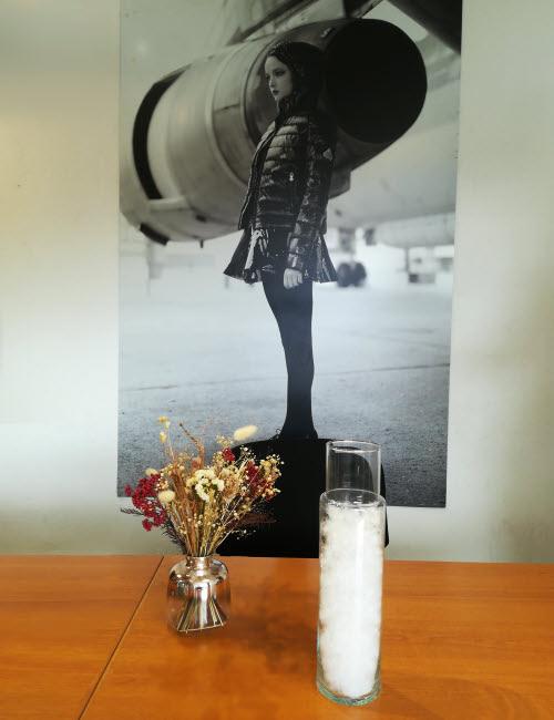 Un gramme de flocons de duvet occupe le même volume que 60cl d'eau © ABCfeminin.com.