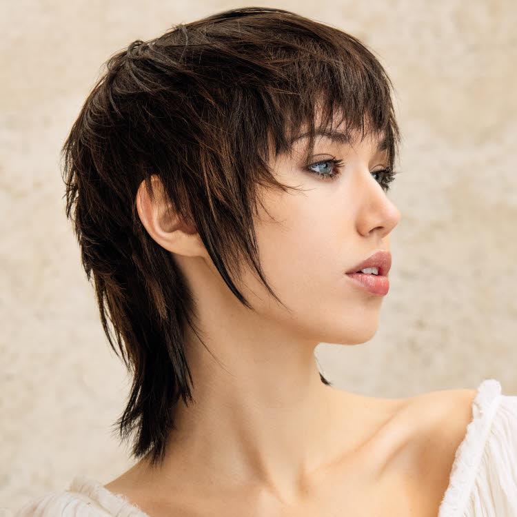 Coupe et coiffure pour cheveux mi-longs SAINT ALGUE - Printemps-été 2020.