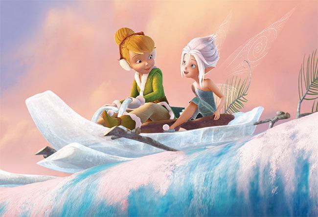 Clochette s'amuse avec Cristal dans la Forêt Blanche de 'Clochette et le Secret des Fées'