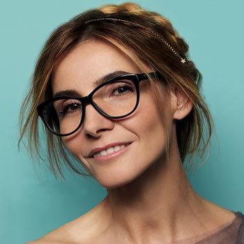 Clotilde Courau, égérie pour les lunettes Krys