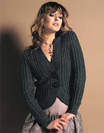 Modèle gratuit   le gilet boléro à torsades à tricoter ... ff4ace7d9517