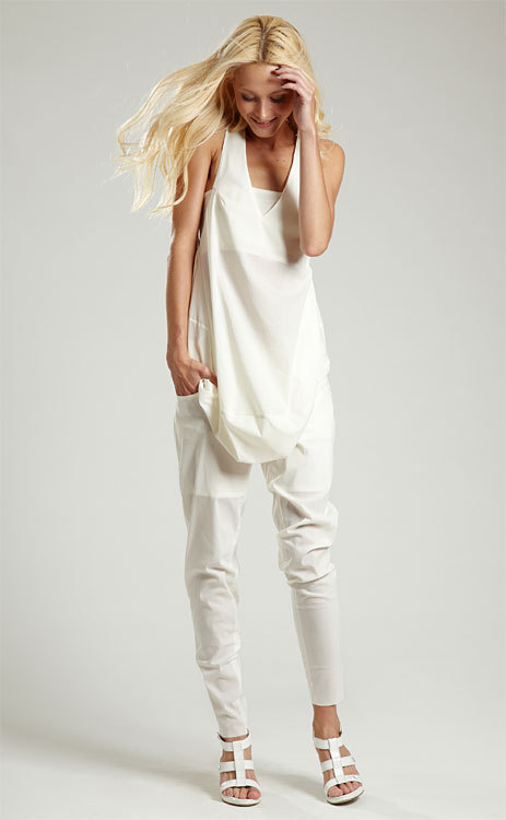 La mode du blanc vu par Karel Mills