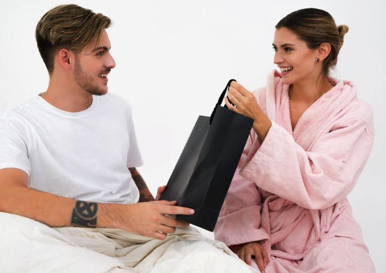 Les meilleurs cadeaux pour pimenter votre relation de couple
